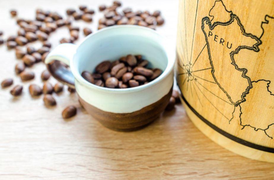 حبوب قهوة بيرو