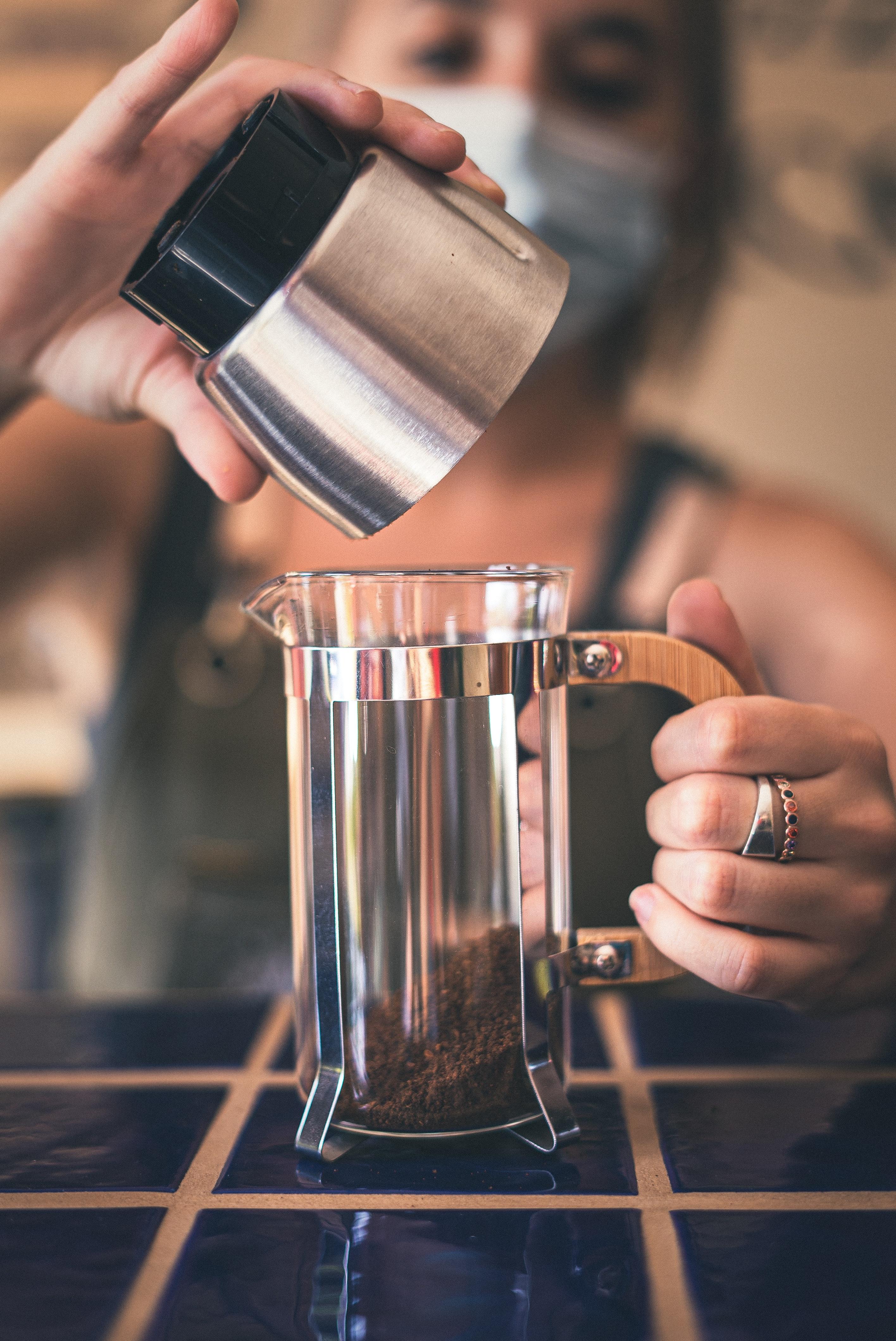أدوات كبس القهوة فرنش بريس أم آيروبريس